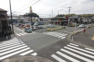 横断歩道が再塗装されました。